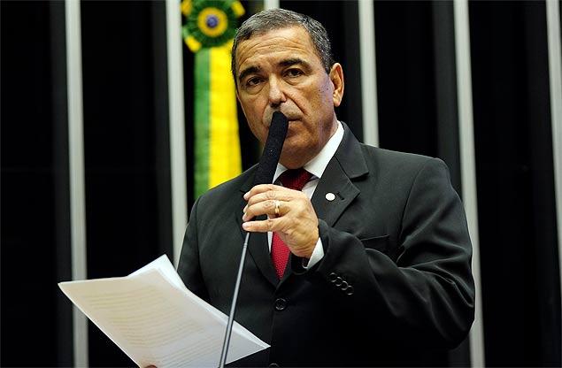 Marcus Vicente é deputado federal e assumiu interinamente a CBF
